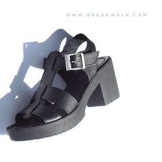 • • • GO SHOPPING • • • BREAK&WALK • BLACK SANDAL / 27,90 € /