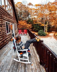 I am myself in autumn. Cozy blankets, candles and books are my delight. Hygge, Autumn Aesthetic, Cozy Cabin, Autumn Day, Autumn Harvest, Cabins In The Woods, Fall Season, New Hampshire, Belle Photo