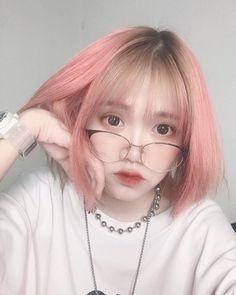 chùa Cc nẹk Girl Korea, Cute Korean Girl, Chi Chi, Aesthetic Girl, Ulzzang Girl, Kpop Girls, Idol, Hairstyle, Instagram