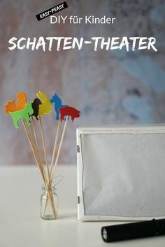 We are creating a shadow theater for children. Shadow games are not only fun for children, they can also help siblings (i. babies and toddlers) to bond better [DIY] We're making a shadow theater More is Now MoreIsNow Kinder Aktivitäten drinne
