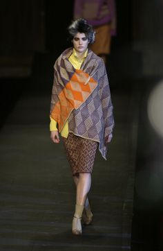 Dries Van Noten at Paris Fashion Week Fall 2003 - Runway Photos
