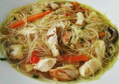Sopa de fideos chinos suave