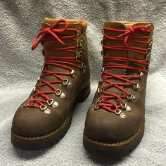 Fabiano Scarpa Mountaineering Hiking Boot Men's 8 Made in Italy Red Wing Boots, Lace Up Boots, Leather Boots, Men Hiking, Hiking Gear, Caterpillar Boots, Mountaineering Boots, Climbing Clothes, Fashion Shoes