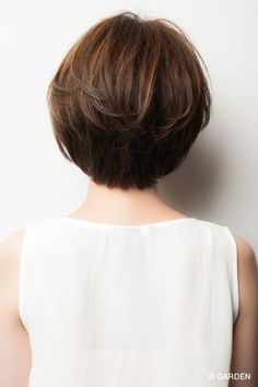 [인기 헤어] 작은 얼굴에 보이는 쇼트 보브 | GARDEN HAIR CATALOG | 하라주쿠 오모테 산도 긴자 미용실 미용실 정원 Textured Bob Hairstyles, Short Hairstyles For Women, Cool Hairstyles, Short Sassy Haircuts, Short Hair Cuts, Short Hair Styles, Mandy Moore Short Hair, Lisa Hair, Medium Hair Styles For Women