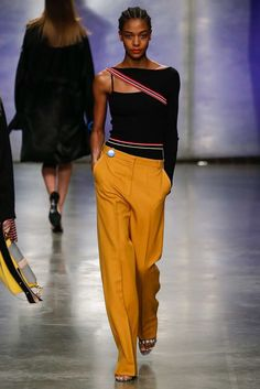 Topshop Unique Fall 2017 Ready-to-Wear Fashion Show - Karly Loyce