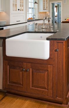 Classic Period Kitchens Designs & Renovation Ideas by HomeTech Renovations with an award-winning design firm in Philadelphia, Montgomery & Bucks County.