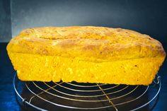 Halloween Backen, Cornbread, Rolls, Ethnic Recipes, Food, Pumpkin Bread Recipes, Oats Recipes, Chef Recipes, Kuchen