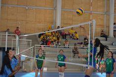 Excelente calidad deportiva y de exhibición en el 1º Campeonato Escolar Copa Montserrat realizado en el Gimnasio Municipal de Pirque, el pasado 27 de octubre.