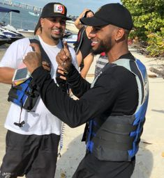 Bryson Tiller and Rich the barber  jet skiing