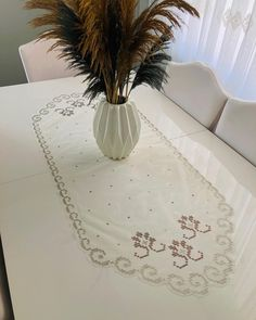 Diy And Crafts, Table, Home Decor, Painting On Fabric, Decoration Home, Room Decor, Tables, Home Interior Design, Desk