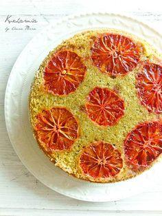 KUCHARNIA: Skrajności i wiosenna łąka. Odwrócone ciasto z matcha i czerwonymi pomarańczami.