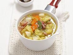 Kartoffel-Wirsing-Eintopf mit getrocknetem Schinken (Pancetta) - smarter - Zeit: 20 Min. | eatsmarter.de So ein klassischer EIntopf ist etwas leckeres.