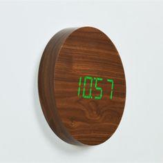 Hnědý nástěnný budík se zeleným LED displejem Gingko Square Digital Alarm Clock, Shabby, Bronze, Display, Retro, Vintage, Design, Home Decor, Floor Space