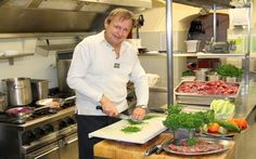 Vollblut-Gastronom im Ruhestand: Harald Krois kochte für Udo Jürgens und Roy Black Thoroughbred, Retirement, Alps, Messages, Round Round, Cooking