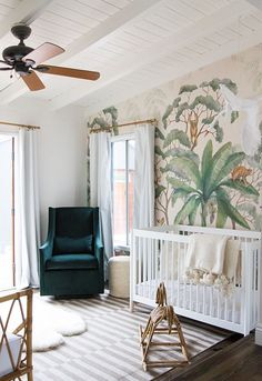 Do you lack the space for a dedicated nursery? I have complied a list of my top 10 nursery inspirations for small spaces. From a corner in Mom and Dad's room to an office nursery combination. Each nursery is polished to perfection. Baby Room Decor, Nursery Room, Girl Nursery, Nursery Decor, Bedroom Decor, Room Baby, Baby Rooms, Master Bedroom, Family Room Playroom
