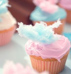 Pretty cupcake with candy floss decoration! #candyfloss #cupcake #pretty