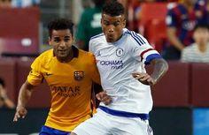 Douglas del Barcelona estará ocho semanas de baja - El lateral brasileño Douglas Pereira dos Santos se perderá el resto de la pretemporada con el FC Barcelona debido a una lesión muscular que sufrió...
