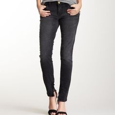 Current/Elliott The Spade Ankle Skinny A true eighties skinny with all of the tricks to slim the hips and slender the legs. Snug and low on the hips. Fitted through the leg. Black Night wash. Zips on ankles Current/Elliott Jeans