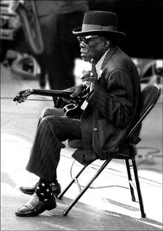 John Lee Hooker (August 22, 1917 – June 21, 2001) was a highly influential…