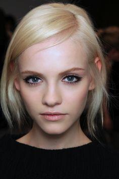 gorgeous. makeup, color, style.