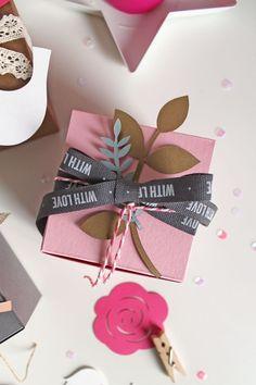 giochi di carta: Wrapping with SelfPackaging