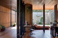 """<a href=""""http://urbismagazine.com/articles/striking-it-rich/"""" target=""""_blank""""><u>Sawmill House</u></a> by Archier Studio, Victoria, Australia. A highly functional, bespoke home that features pivoting partitions for privacy."""
