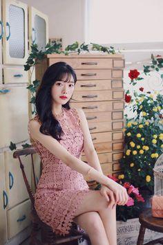 Lace Cardigan, Pretty Asian, Short Sleeve Dresses, Mini Dresses, Korean Model, Sexy Legs, Fasion, Asian Woman, Korean Fashion