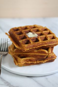 Pumpkin Spice Waffles from Pidges Pantry