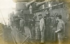 German sailors on SMS Frederick der Grosse in Scapa Flow after the Armistice in November This ship fought at the Battle of Jutland on May 1916 as Admiral Scheer's Flagship World War One, First World, Old World, Ww1 Battles, History Images, Submarines, War Machine, Battleship, Military History