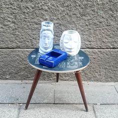 Vasos tiki y cenicero cerámico azul (de la mesita no digo nada que se la acaban de llevar!!) #tiki #vintagevases #vintageashtray #70s #80s