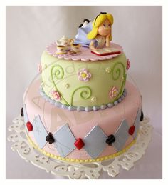 Simple alice in wonderland cake