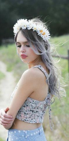 Beautiful lilac hair and flower crown Lilly:) Head Band, Ombré Hair, Blonde Hair, My Hairstyle, Hairstyles, Pastel Hair, Pastel Grey, Lilac Grey, Dark Grey