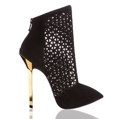 Dukas Deville' booties with gold plated heel and genuine leather sole and lining. Heeled Boots, Bootie Boots, Shoes 2016, Stiletto Shoes, Sexy Boots, Sexy High Heels, Hot Heels, Fall Winter 2015, Luxury Shoes