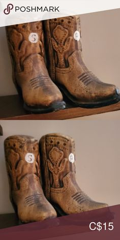 Cowboy/cowgirl boot salt & pepper shakers Now it's ok to put your boots on the table Vintage Dining Serveware Cowboy And Cowgirl, Cowgirl Boots, Salt Pepper Shakers, Salt And Pepper, Serveware, Vintage Black, Black And Brown, Stuffed Peppers, Dining
