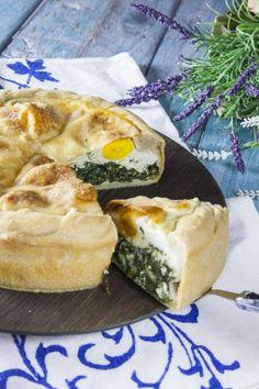 La torta Pasqualina non può mancare in un classico menù di Pasqua! La preparerò come da tradizione, per un abbondante pranzo in compagnia! Spanakopita, Camembert Cheese, Food And Drink, Pie, Cooking, Ethnic Recipes, Bella, Food Ideas, Menu
