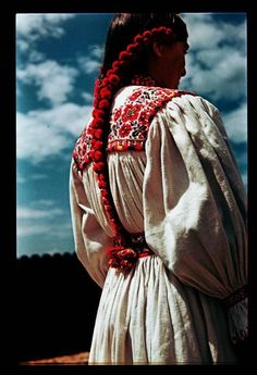 from Avasfelsőfalu/Néprajzi Múzeum Art Costume, Folk Costume, Costumes, Moon Goddess, Goddess Art, Folk Clothing, Hungarian Embroidery, Country Dresses, Ethnic Fashion