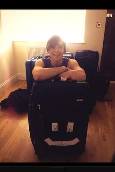 """Imagine: """"BABE! GUESS WHAT?"""" """"WHAT?""""  """"YOUR COMING ON TOUR WITH US! I ALREADY PACKED YOUR BAG!!"""""""