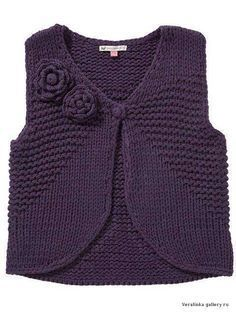 Knitted Boys and Girls Baby Sweater, Vest Cardigan Patterns Knitted Boys and Girls Baby Sweater, Vest Cardigan Patterns Welcome to the knitting vest models gallery. We have created beautiful male baby vest m. Baby Cardigan, Cardigan Bebe, Baby Knitting Patterns, Knitting For Kids, Free Knitting, Crochet Dress Girl, Knit Crochet, Crochet Dresses, Pull Bebe