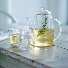 Glass Teapot | The White Company £40 | H22cm x W21.5cm | Our elegant glass teapot is ideal for herb teas, as the inner compartment lets your tea leaves infuse while keeping them away from the spout when you pour. It's a great year-round piece, which works equally well in the garden, conservatory, kitchen or lounge.