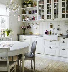 Cozinha cheia de graça! decorada com amor...
