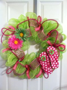 flip flop wreaths | Flip flop summer mesh wreath by Wreaths4u2byPaula on Etsy