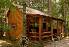 Haus in den Bergen - House In The Mountain - Home Design Small Log Cabin, Tiny Cabins, Little Cabin, Log Cabin Homes, Cabins And Cottages, Cozy Cabin, Log Cabins, Amish Cabins, Rustic Cabins