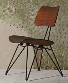 Gastone Rinaldi and Gio Ponti; Enameled Metal and Molded Plywood Chair for Rima, Iron Furniture, Italian Furniture, Classic Furniture, Vintage Furniture, Modern Furniture, Furniture Design, Furniture Chairs, Bentwood Chairs, Metal Chairs