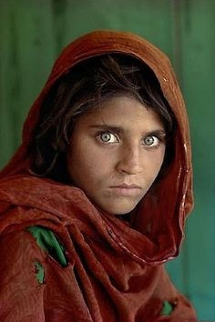 Steve McCurry, Sharbat Gula, Afghan Girl, Pakistan, 1984