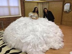 Cheap gown uk, Buy Quality gown dress directly from China dress abs Suppliers: Luxury Big Fat 2016 Sexy Shining White Organza Tulle Ball Gown Gypsy Wedding Dress Bridal Gown vestido de noiva robe de mariage Gypsy Wedding Gowns, My Big Fat Gypsy Wedding, Ugly Wedding Dress, Gipsy Wedding, Big Wedding Dresses, Custom Wedding Dress, Designer Wedding Dresses, Bridal Dresses, Gown Wedding