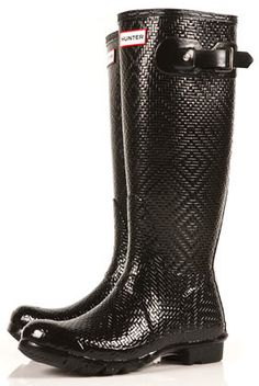 Black Carnaby Geometric Wellies by Hunter - Shoe Brands - Shoes Hunter Rain Boots, Hunter Shoes, Crazy Shoes, Me Too Shoes, Mode Shoes, Shoe Boots, Shoe Bag, Shoe Closet, Shoe Brands