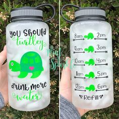 you should TURTLEY drink more water bottle with hourly time tracker - New Ideas Healthy Drinks, Get Healthy, Healthy Food, Nutrition Drinks, Detox Drinks, Pm Sp, Thermos, Gourmet Recipes, Healthy Recipes