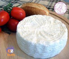 Fare il formaggio fatto in casa non è mai stato così semplice e veloce e poi potete aromatizzarlo come volete e sbizzarrirvi.