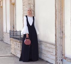 Stylish Hijabi Looks for All Types 2018 - Styles Hijab Style, Casual Hijab Outfit, Hijab Chic, Hijab Dress, Jumpsuit Hijab, Muslim Fashion, Modest Fashion, Hijab Fashion, Fashion Outfits
