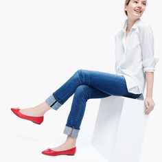 Denim + White Button down + Colored flats (JCrew Gemma Red flats) J Crew Outfits, Casual Outfits, Cute Outfits, Fashion Outfits, Womens Fashion, Fashion Trends, Work Outfits, Red Flats Outfit, Red Shoes